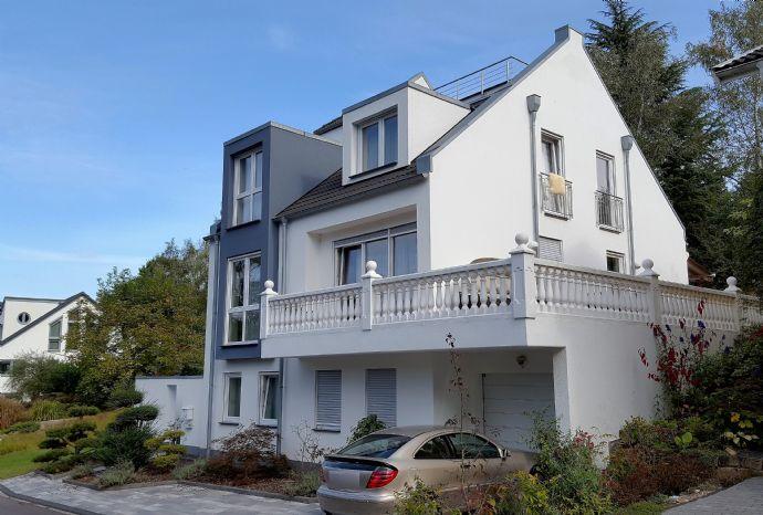 Konz - gepflegtes und sehr hochwertig ausgestattetes Einfamilienhaus mit Doppelgarage und Garten