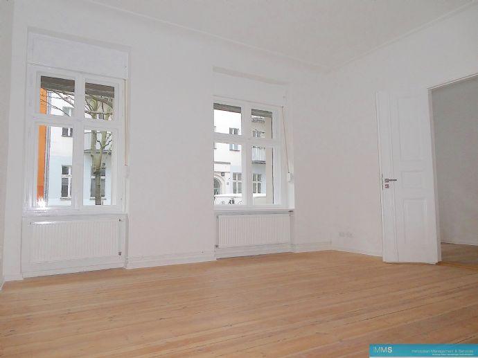 Erstbezug im Erdgeschoss mit kleiner Terrasse zum Innenhof!
