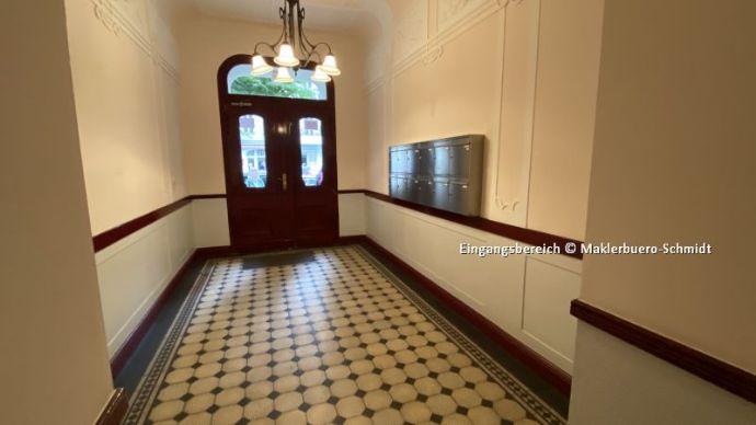 ab 01.08. für ca. 2 Jahre - große DG Wohnung mit Lift, Loggia u. weiteren Extras in B-Charlottenburg