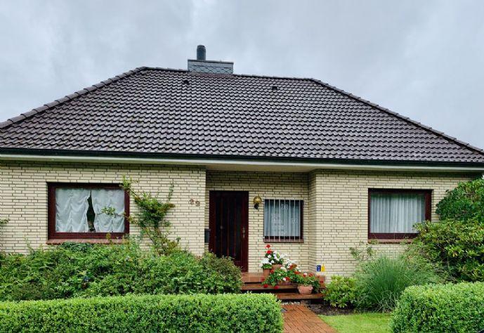 Wunderschönes Einfamilienhaus mit Einliegerwohnung am Waldrand zu verkaufen (Provisionsfrei)