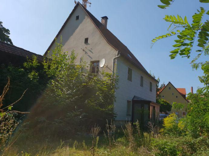 Ein Stück Geschichte im Herzen von Stein sucht neuen Eigentümer mit Ideen für dieses Historische Denkmalgeschützte Gebäude.