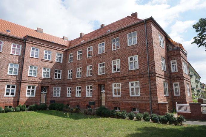 3-Raum-Altbau-Wohnung im Stadtteil West