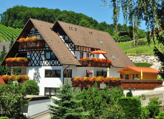 Mehrfamilienhaus mit 6 attraktiven Wohnungen