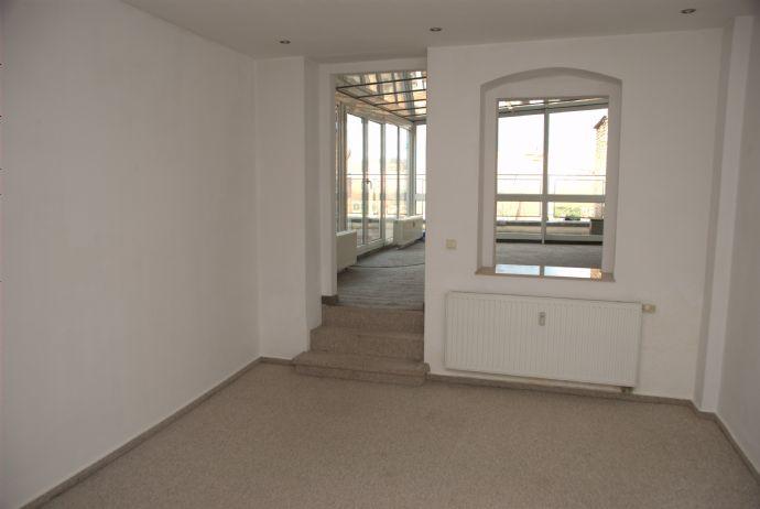Helle ruhige sanierte 2- Raumwohnung mit Balkon/Dachterrasse Zentrum Altstadt Obermarkt ca.80qm