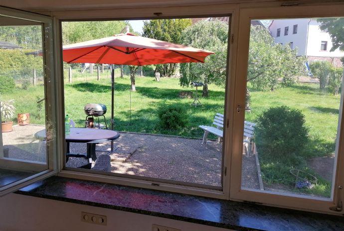 Sonnige, ruhige 3-Zimmer-Wohnung mit Terrasse und Garten