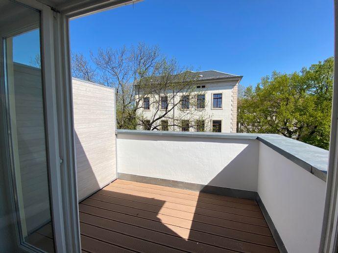 Zentral, Groß, Neustadt ! Schicke Maisonettewohnung mit EBK und Terrasse!