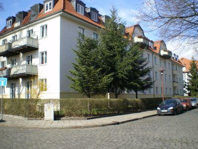 attraktive geräumige 1 Zimmer Wohnung mit Balkon zu verkaufen