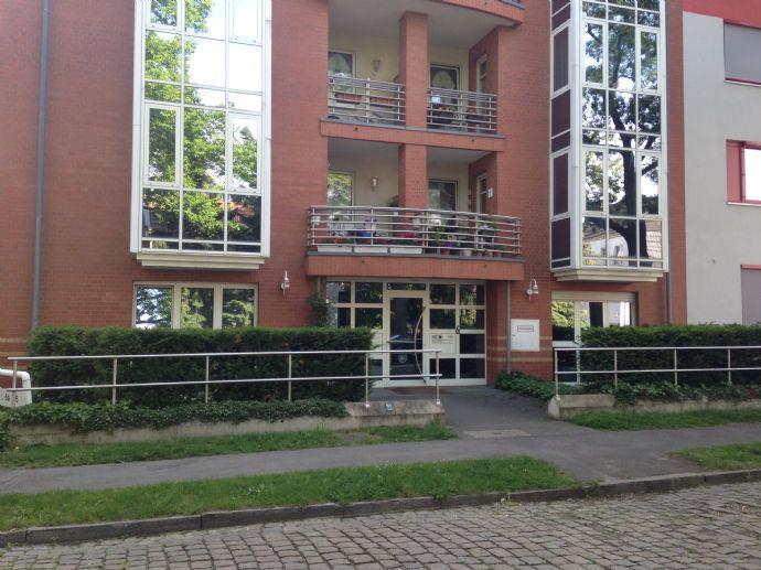 2-Zimmer-Erdgeschosswohnung mit Balkon in Niederschönhausen