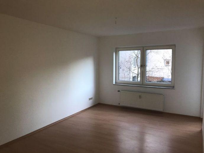 ++2-Raum Wohnung mit Balkon!++