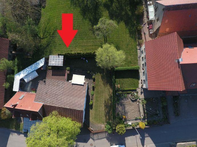 Geräumiges EFH mit großem Grundstück und Nebengebäude!