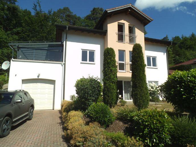 5216* Exklusives- freistehendes 2-3 Familienhaus *ELW *2 Garagen *Ruhige Höhenlage am Waldrand in Rodalben