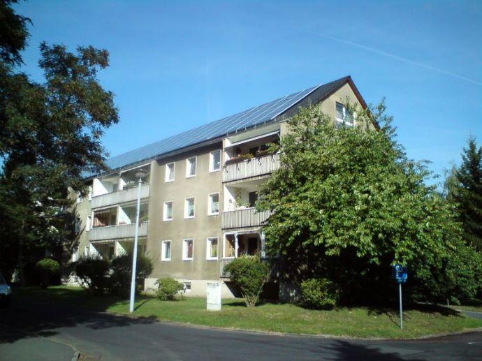 Bezugsfertig sanierte 4-Raum-Wohnung mit Balkon