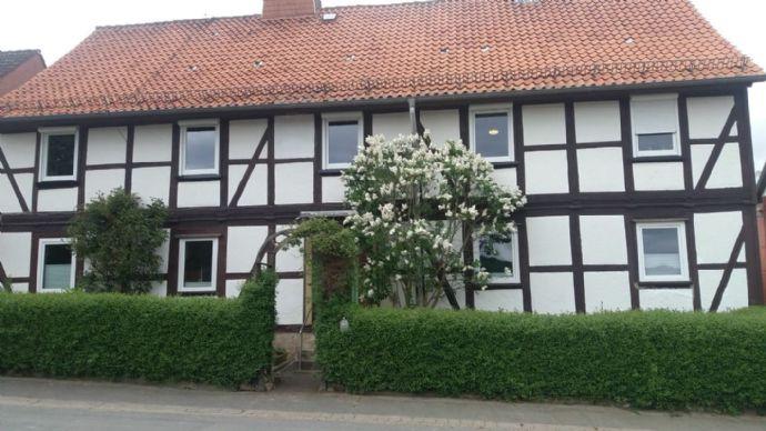 Bad Gandersheim OT - Zweigeschossiges Wohnhaus mit Garage