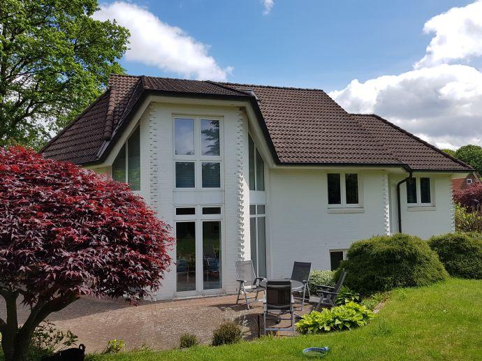 Etwas Besonderes für die Familie: Individuelles Architektenhaus in bester Wohnlage