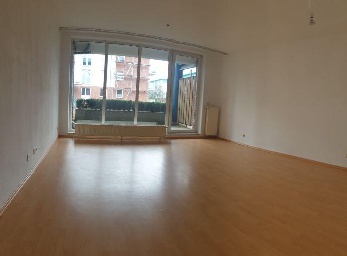 Sehr schöne 2-Zimmer Wohnung und Terrasse