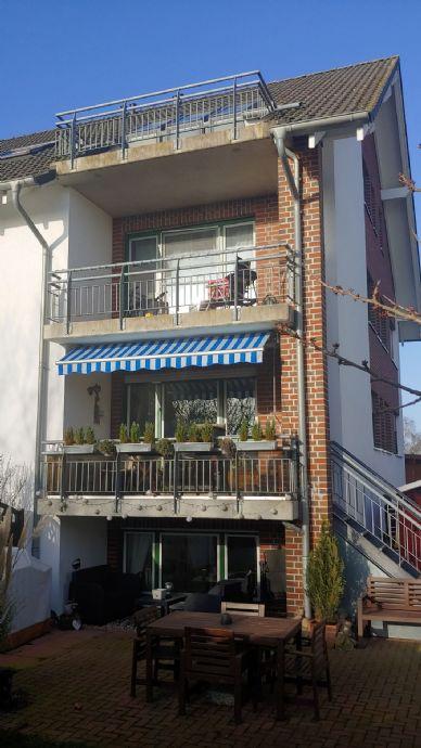Direktvermietung : Helle 4-Zimmer-Wohnung mit Einbauküche und Balkon in Hetlingen zu vermieten