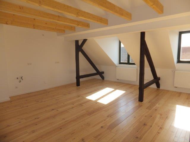 Großzügige 4-Z-DG-Wohnung mit Dachterrasse