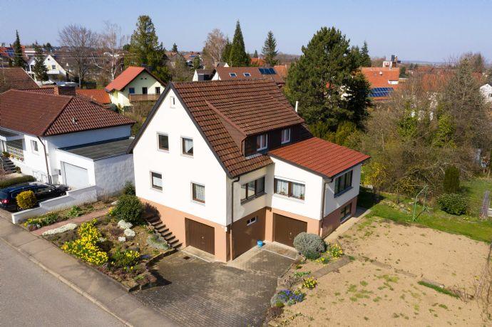 Großzügiges Einfamilienhaus mit wunderschönem Grundstück und toller Lage
