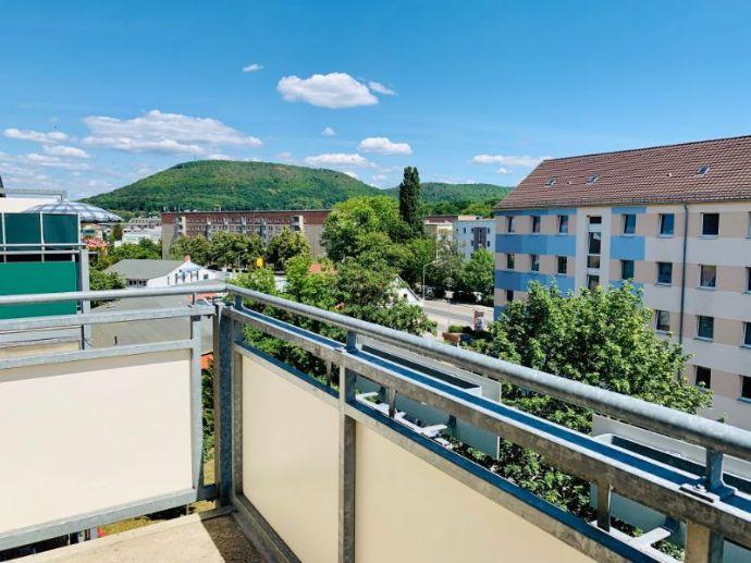 Behalte deine Stadt im Blick - 2-Raum Wohnung mit Balkon!