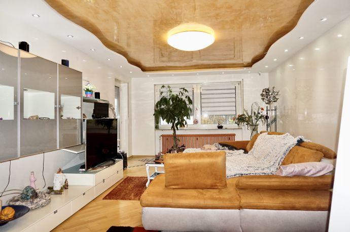 Moderne, großzügige 4-Zimmer-Wohnung mit 2 Balkonen und Garage