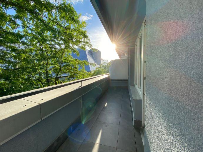 /// TOP Lage nähe Königsplatz - 1 Zimmer Wohnung mit Einbauküche & Balkon ///