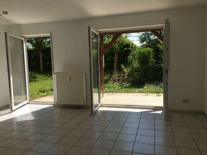 Gepflegte Souterrain-Wohnung mit Garten in TOP-Lage