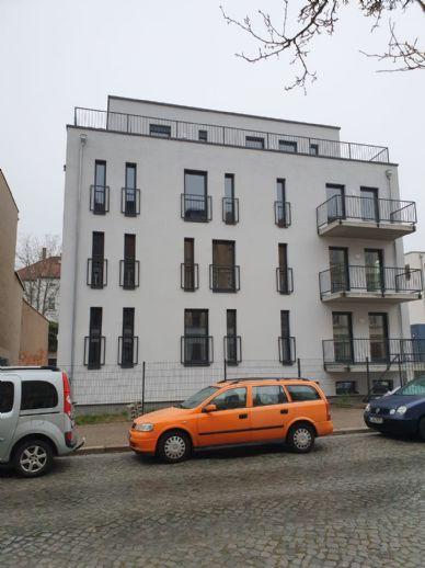 Erstbezug! Voll vermietet! Das moderne Wohnquartier in Leipzig-Wahren: MFH mit 4 Wohneinheiten und einer Büroetage!