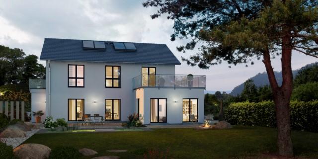Zwei großzügige Wohneinheiten - Generationenhaus mit Grundstück