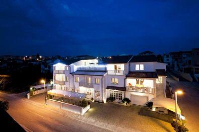 Okrug Gornji  Renditeobjekte, Mehrfamilienhäuser, Geschäftshäuser, Kapitalanlage