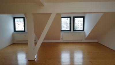 Große 3 Raum- Etagenwohung im Dachgeschoß