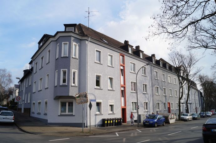 Gepflegte 3 ZKB Dachgeschosswohnung mit Dielenboden **