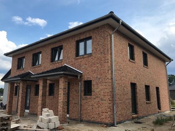 Doppelhaushälfte mit Carport zu vermieten