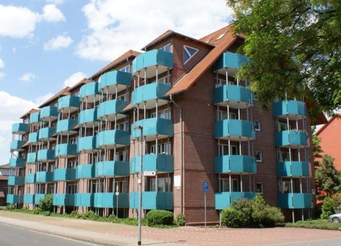 1-Zimmer-Wohnung mit Kochnische + 2 Balkonen