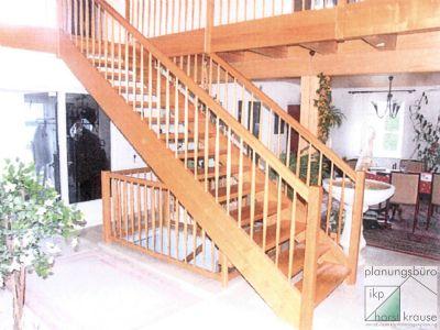 Treppe vom Erdgeschoss zum Obergeschoss