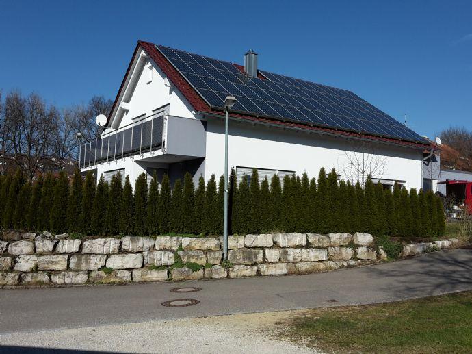 Haus der Zukunft, Einfamilienhaus mit Einliegerwohnung und PV-Anlage in Esslingen (Kreis), Nürtingen