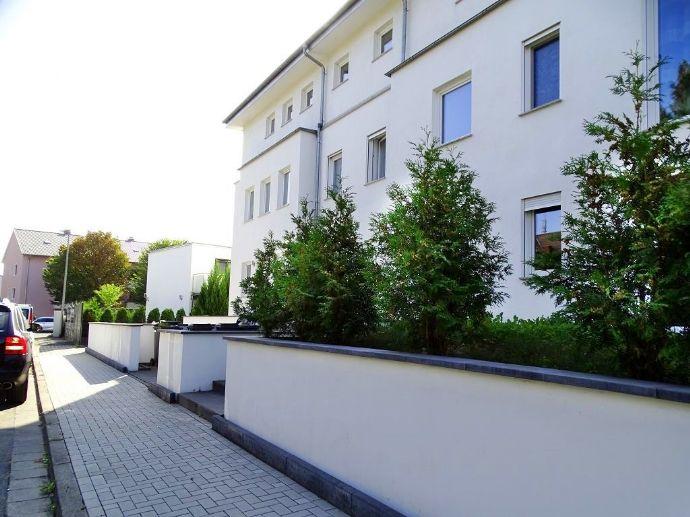 °°° Exklusive Kapitalanlage: MFH - Neubau! mit Penthouse, Sonnenterrassen, Pool im Garten. °°°
