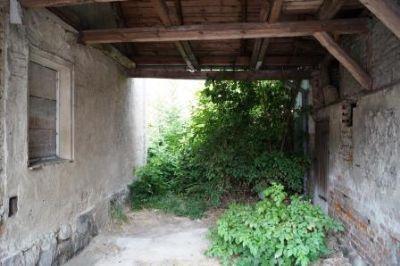 Durchfahrt mit  Innenhof