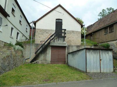 Separates Nebengebäude mit riesigem Gewölbekeller