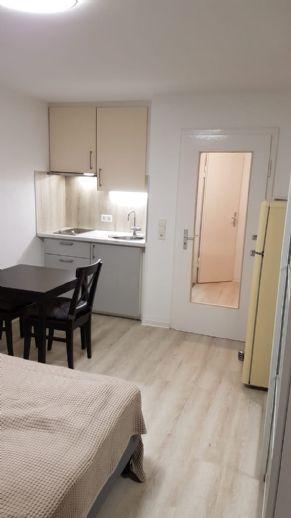 Top sanierte 1-Zimmer-Wohnung (Nr. 13) mit Küche, Bad, Diele und Balkon nahe S-Zentrum