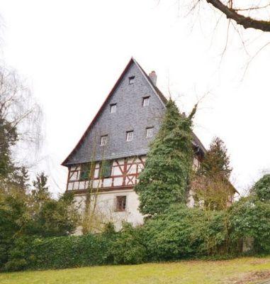 Faszinierendes Schlossanwesen mit Fernblick