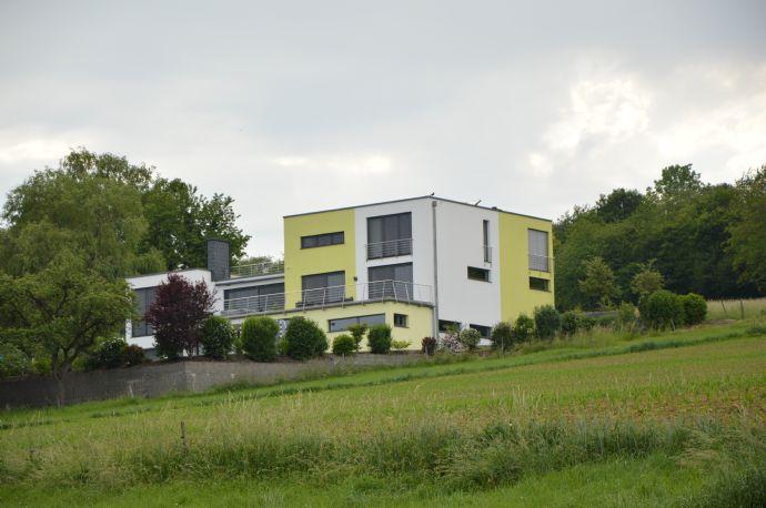Traumhaftes Wohnhaus mit einmaliger Weitsicht ganz am Ortsrand
