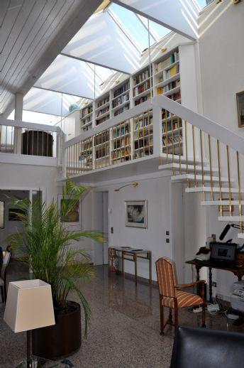 EXKLUSIVE 3 ZIMMER WOHNUNG  (120 m² WFL. ) IM WESTEN FRANKFURTS !!!