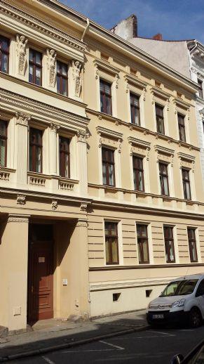 Individuelle 3-Raum-Wohnung mit großer Dachterrasse in der City, Stellplatz möglich