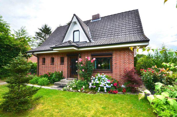 Basthorst charmantes Einfamilienhaus in Feldrandlage mit großem Grundstück