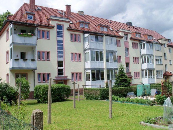 geräumige 2 bis 3 Raum Wohnung mit Wintergarten