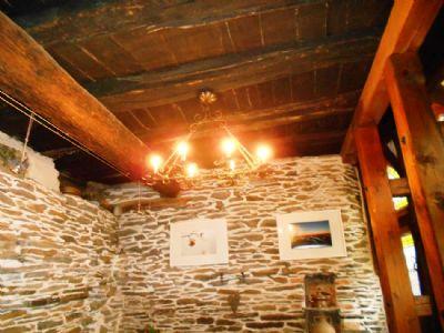 Die original mittelalterliche Holzdecke