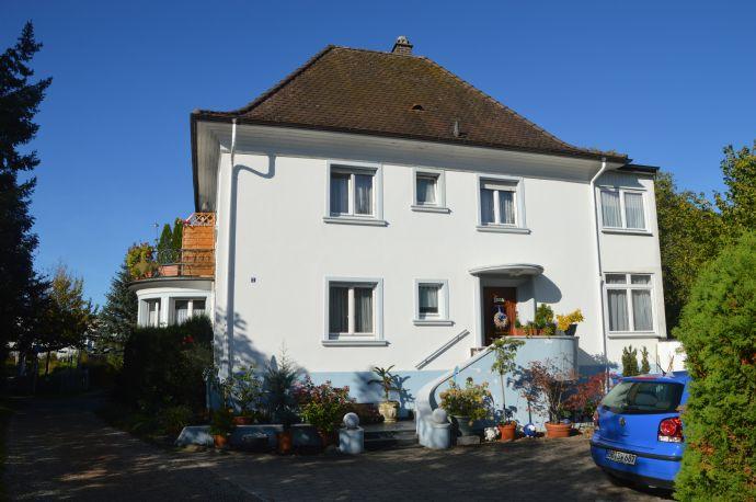Charmantes Zweifamilienwohnhaus im beliebten Ortsteil Hauingen