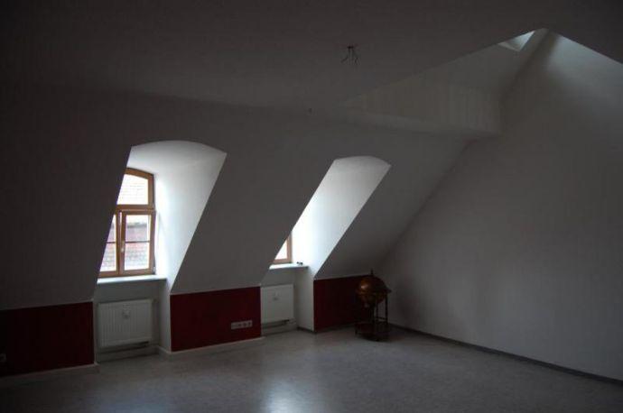 3-Raum-Maisonette-Wohnung hoch über den Dächern der Stadt