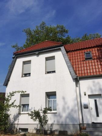 DHH / REH modernisiert in Kamp-Lintfort-Zentrum sucht einen neuen Eigenheimbesitzer!