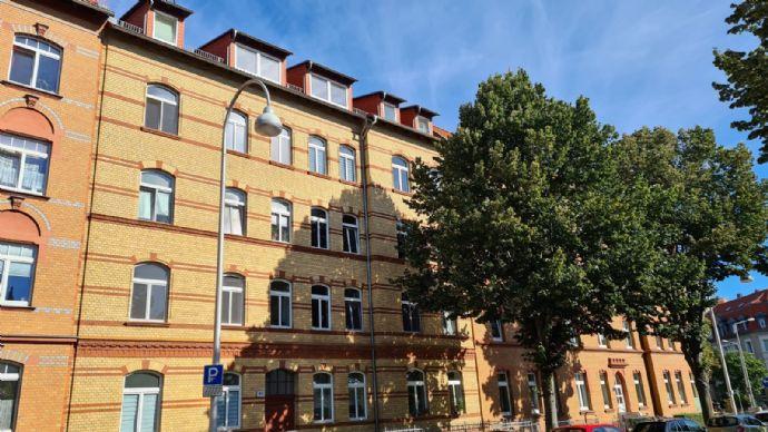 Ruhige, frisch renovierte Dachgeschoss-Wohnung in guter Lage